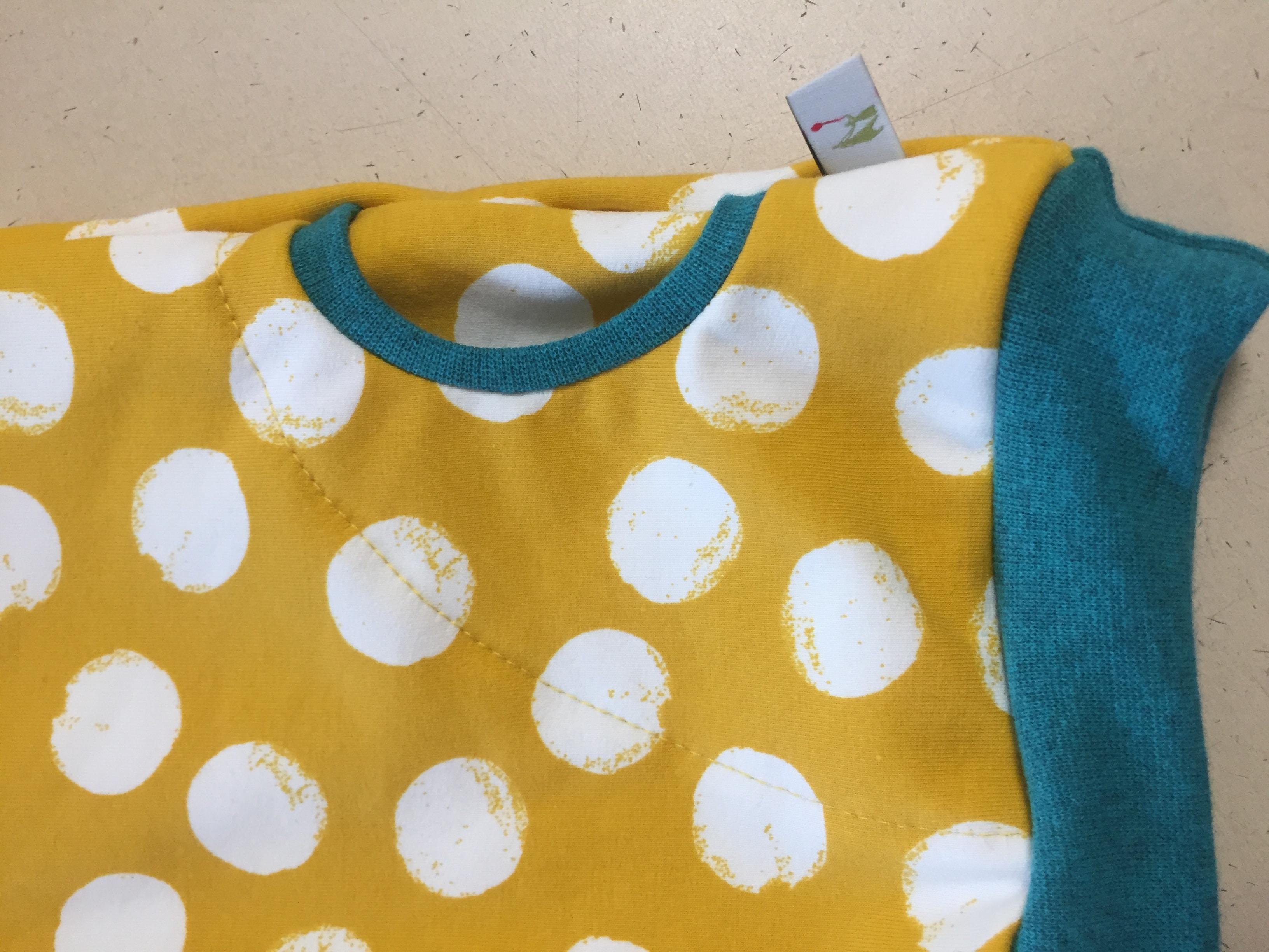 Hoodie / Kapuzen Pullover - Pünktchen gelb