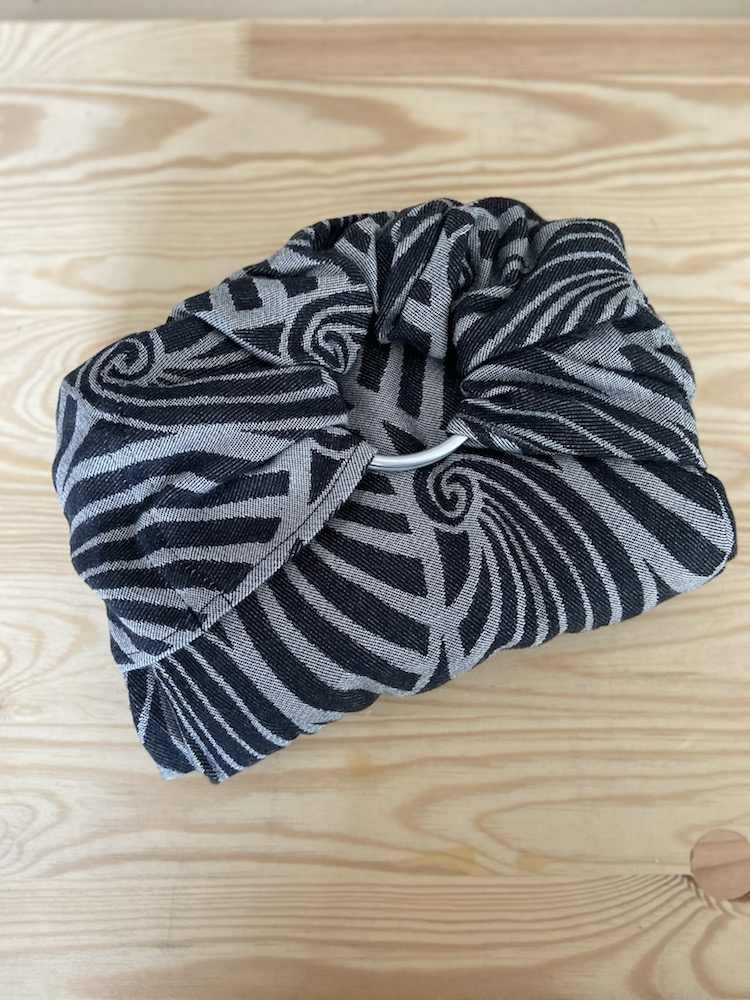 Yaro Ringsling - Dandy Black Natural Wool