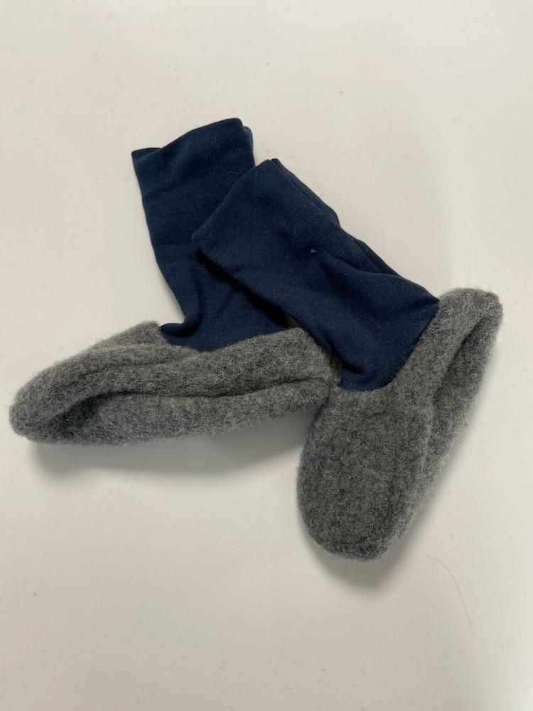Wollschuhe - Trageschuhe Wolle hellgrau / dunkelblau